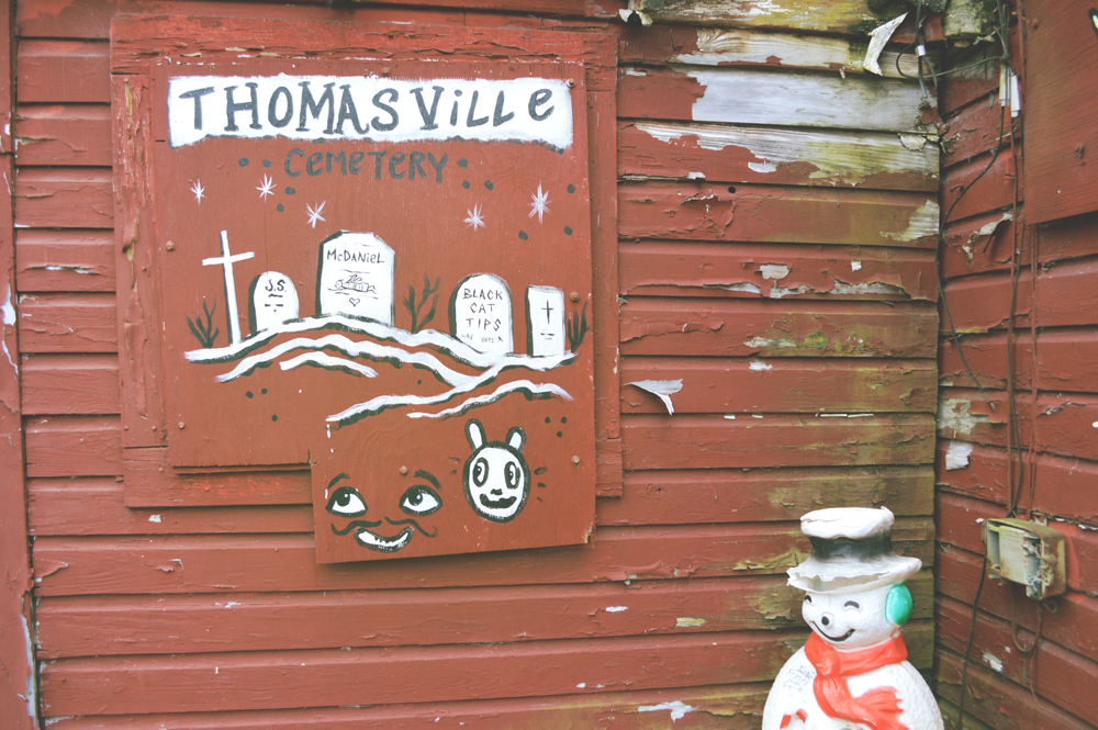 thomasville cemetery - mural - blackcattips 2062