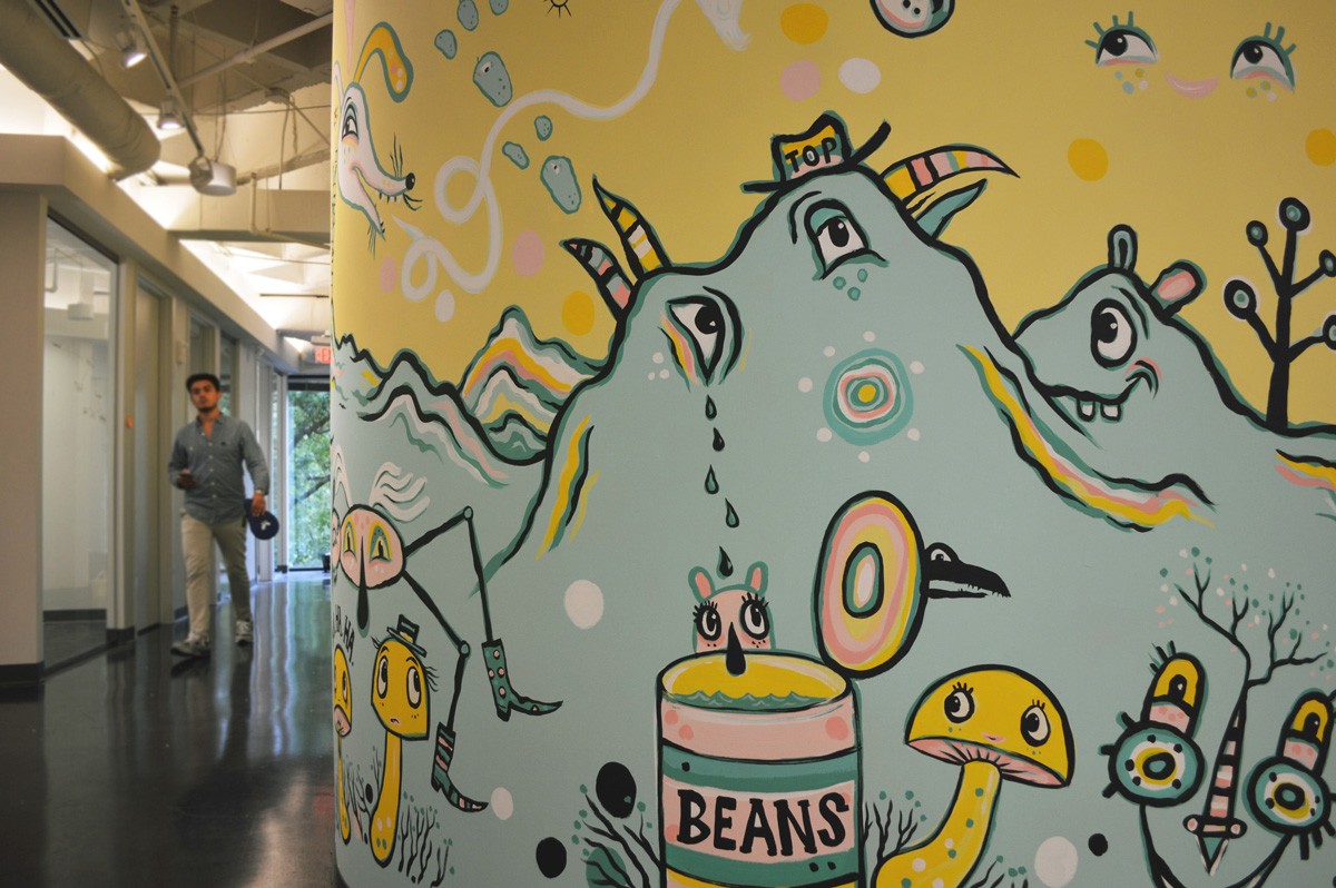 yik-yak-mural-blackcattips-brooks-art